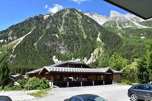 Location Bel emplacement avec terrasse ensoleillée photo 7