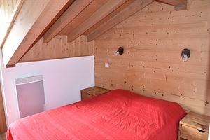Location Au dernier étage avec deux balcons photo 4