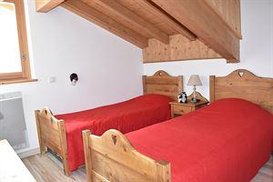 Location Au dernier étage avec deux balcons photo 7