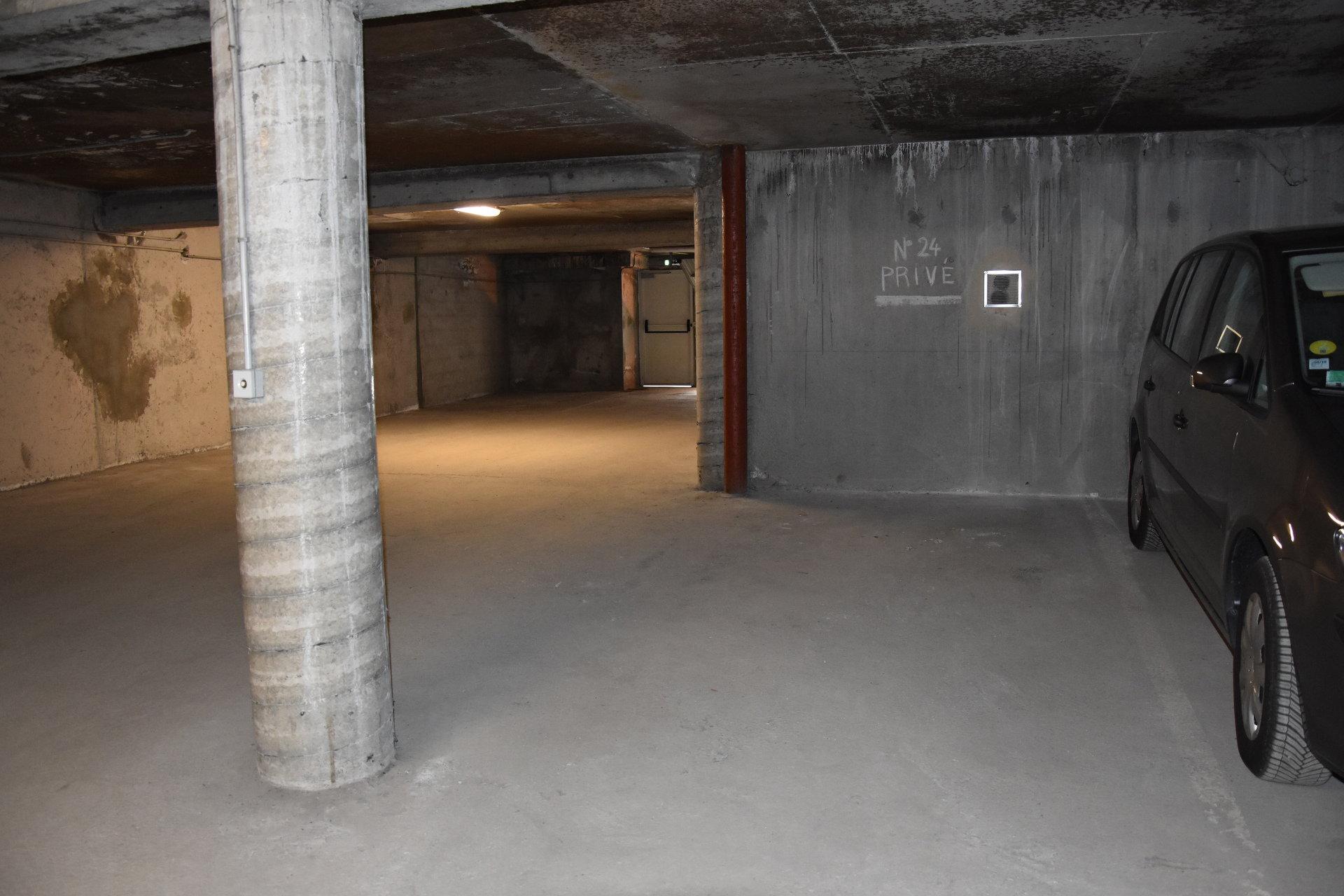 Photo Garage-Box-Parking à Pralognan la Vanoise