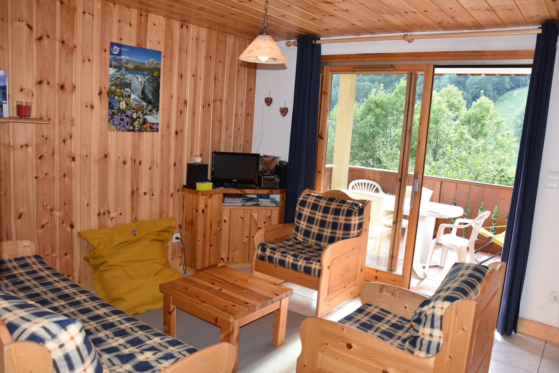 Rental reference : TOUR19 to Champagny en Vanoise