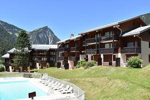 Location Dans résidence avec piscine en été photo 12